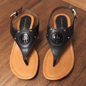 "Tommy Hilfiger ""TWKISSI"" Block Heel T strap Sandal"
